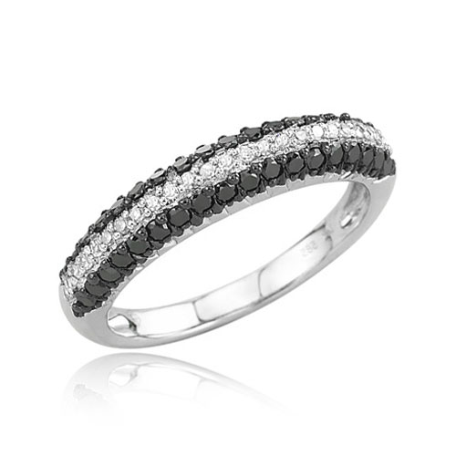 Jewelry - Black and White Diamond Ring.